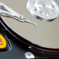 Hard disk testine